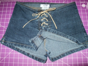 Releasing crotch seam